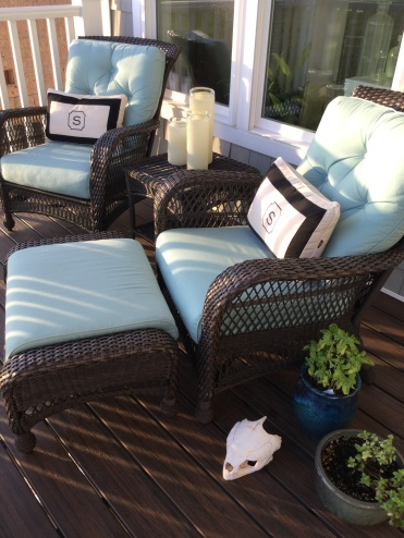A great deck arrangement for relaxing!